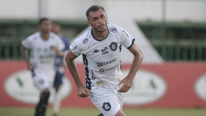 Cariús fez o terceiro gol da vitória diante do Águia, no último sábado.