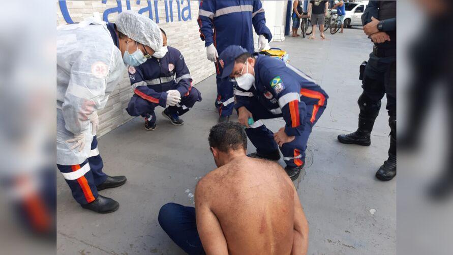 Imagem ilustrativa da notícia: Homem surta, quebra carros e lojas em Belém