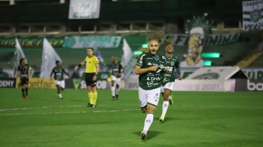 Regis, autor de um dos gols do Guarani no clássico contra a Ponte Preta, será desfalque para o jogo contra o Leão.