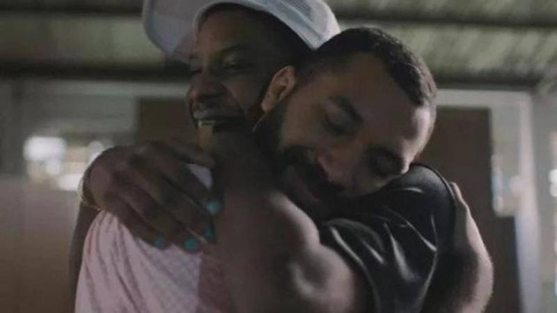 Lucas e Gil deram o primeiro beijo entre homens no BBB