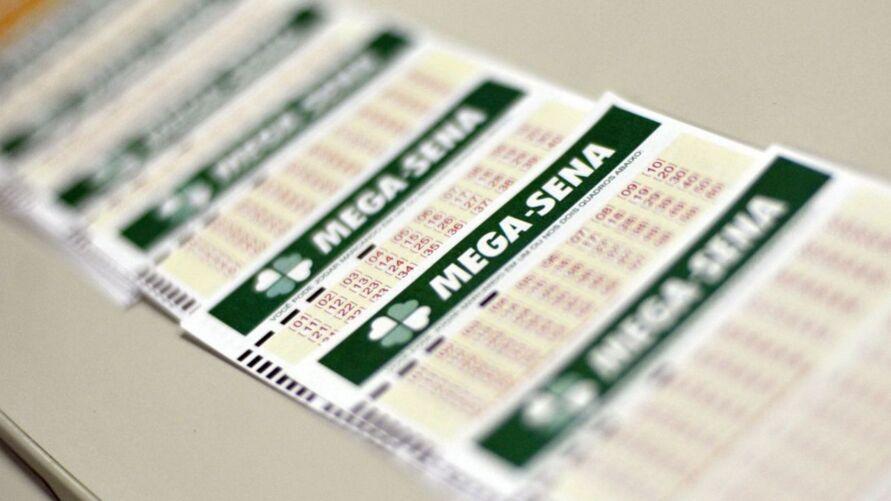 Entenda mais sobre os bolões do  Mega Loterias para entrar na disputa do sorteio de hoje do concurso 2375 da Mega-Sena e concorrer com muito mais chances