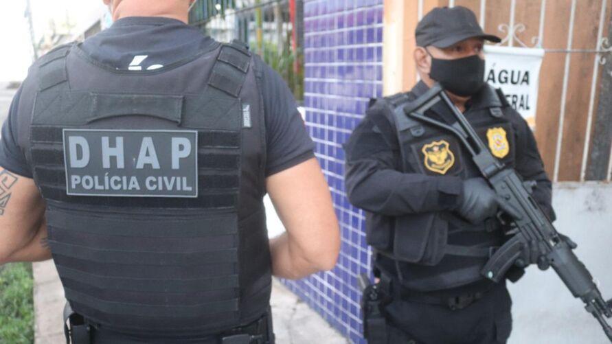"""Suspeitos de tentativa de latrocínio foram presos em Mosqueiro, durante a """"Operação Medeia""""."""