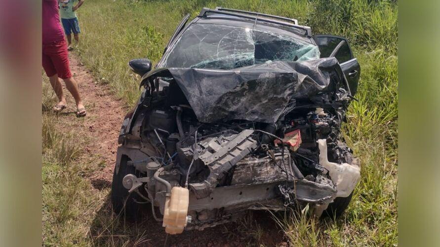 Pelo menos duas pessoas morreram no acidente.