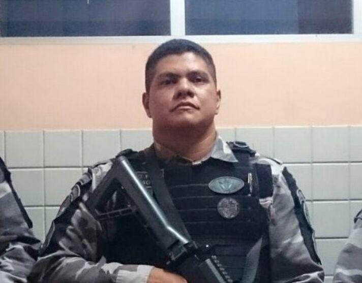 O sargento Gildson foi absolvido de uma acusação de roubo e aguarda julgamento por homicídio qualificado