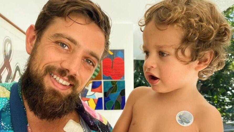 O ator Rafael Cardoso e seu filho, Valentim