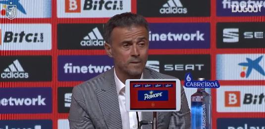 O treinador explicou a ausência de Sergio Ramos, que perdeu parte da temporada 2020-21 por lesão.