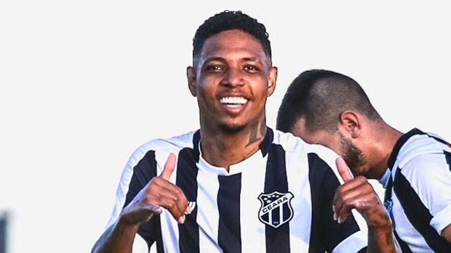 Luan Ferreira quando atuava pelo Ceará.
