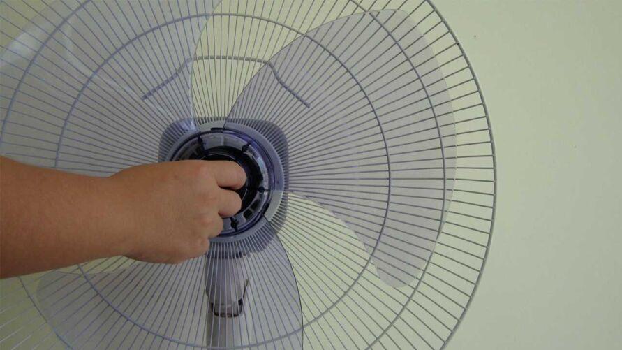 Criança brincava sozinha com um ventilador,  provocando um curto-circuito.
