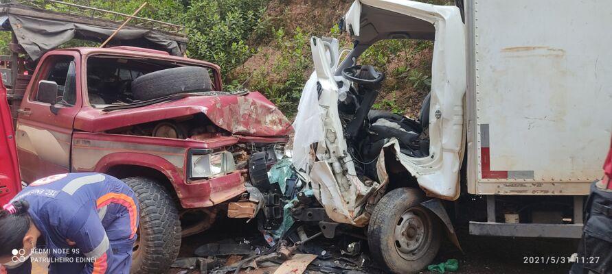 Veículos após o acidente.