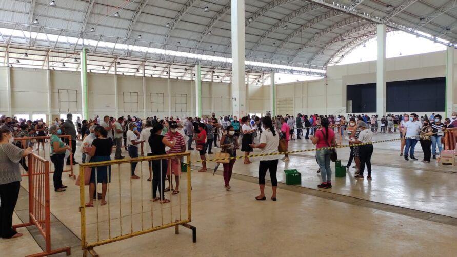 Imagem ilustrativa da notícia: Pessoas acima de 45 anos começam a ser vacinadas em Marabá