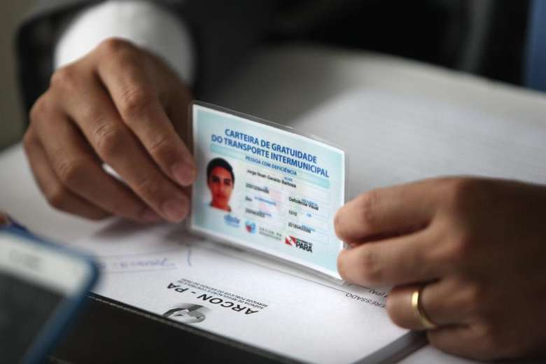 A Meia-Passagem Intermunicipal é um benefício concedido aos alunos que se deslocam do município onde residem para realizar os estudos em outra cidade do território paraense