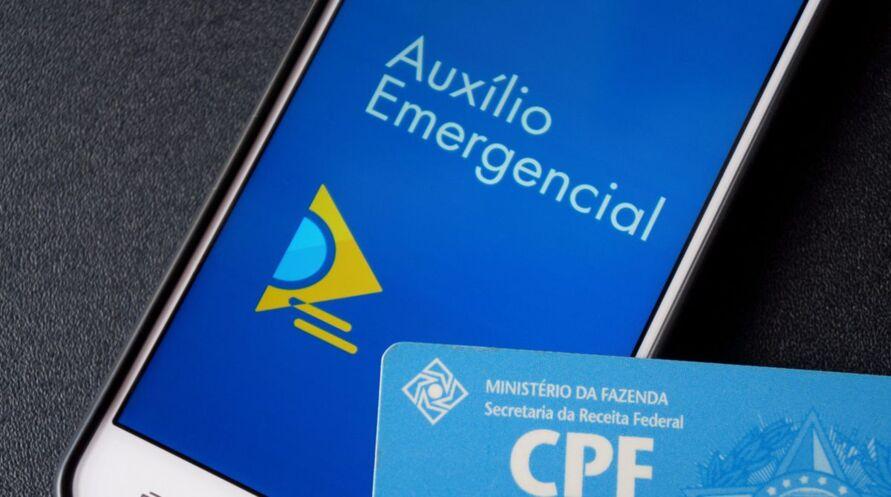 Imagem ilustrativa da notícia: Auxílio emergencial: beneficiários do Bolsa Família recebem
