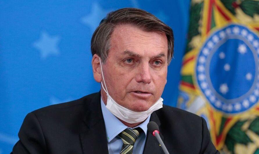 Imagem ilustrativa da notícia: Bolsonaro é multado por não usar máscara em motociata
