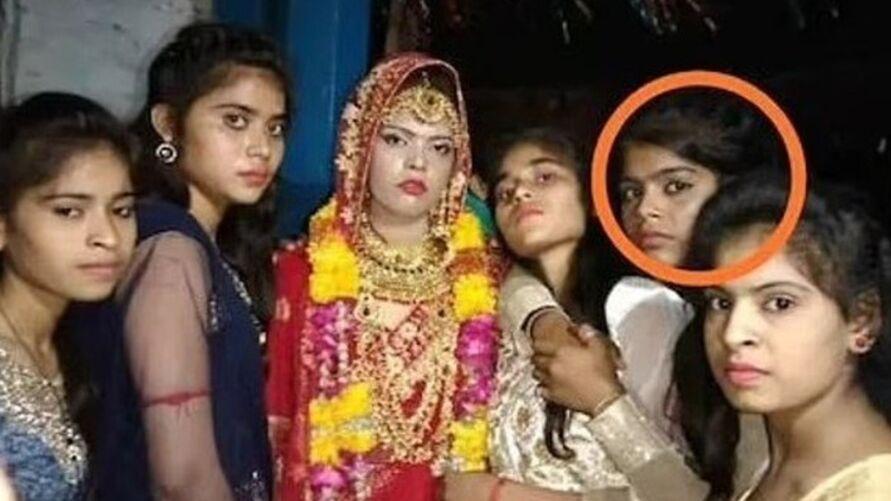Após morte da irmã, a mais nova foi pedida em casamento pela família do noivo.