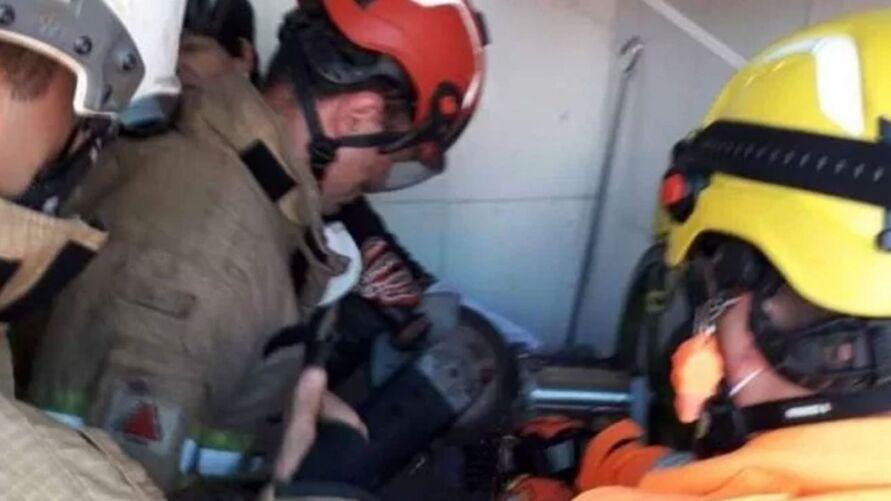 Assim que a vítima foi liberada, foi socorrida para o Hospital do Pronto Socorro