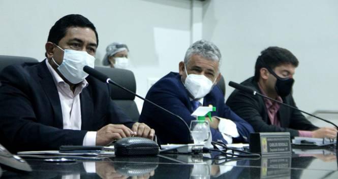 Deputados Carlos Bordalo (vice presidente), Eraldo Pimenta (Presidente) e Igor Normando (relator)