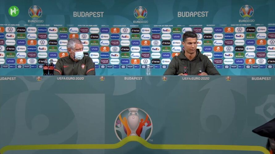 Brincadeiras com garrafas na Eurocopa 2020