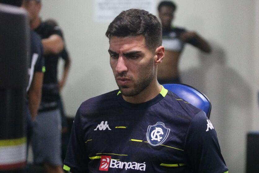 Lateral-direito Thiago Ennes espera Clube do Remo com nova postura diante do Náutico.