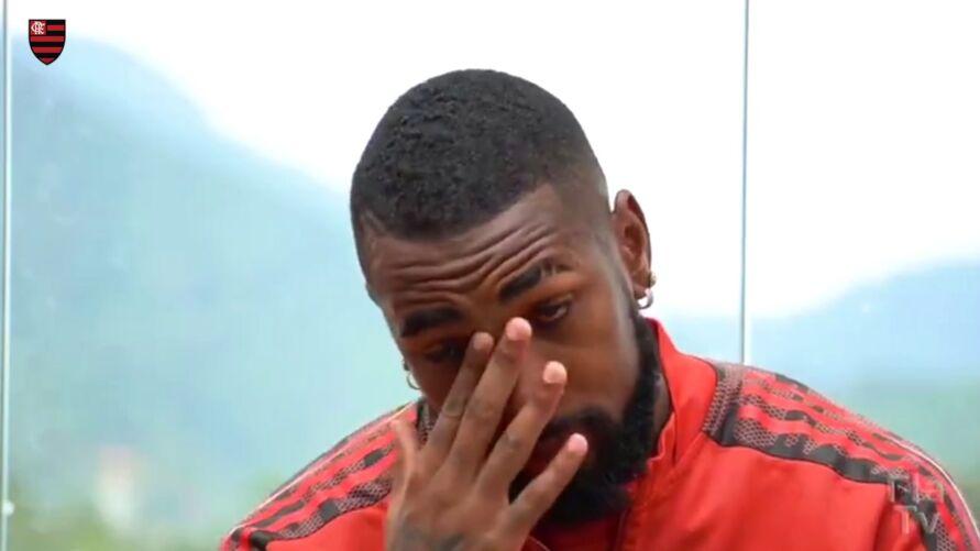Gerson se emociona a falar da importância dos companheiros de Flamengo.