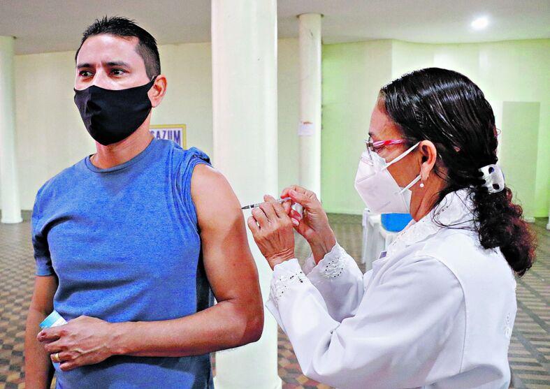 Boa parte dos grupos prioritários atendeu ao chamado e foi tomar as vacinas contra a Covid-19