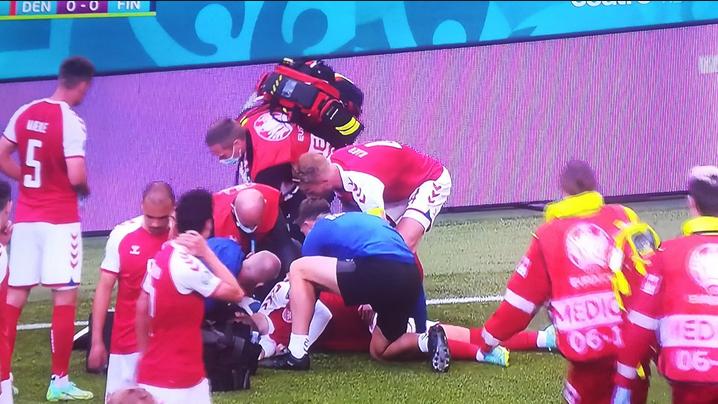 Imagem ilustrativa da notícia: Jogador sofre mal súbito durante jogo da Eurocopa. Assista