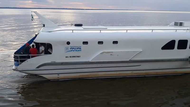 Imagem do Golfinho 1. O 2 fará a travessia para o Marajó