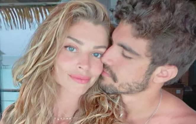 Grazi Massafera e Caio Castro em clima romântico.