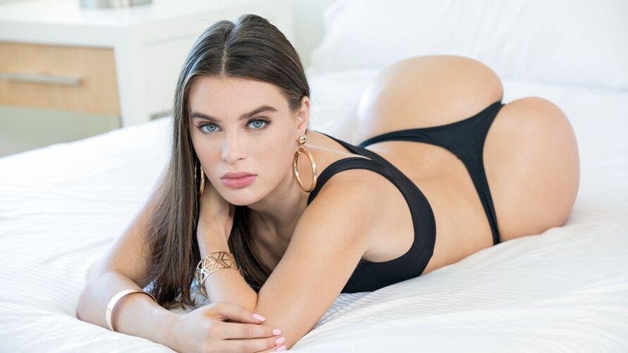 Lembra dela? A musa e ex-atriz pornô desabafou...