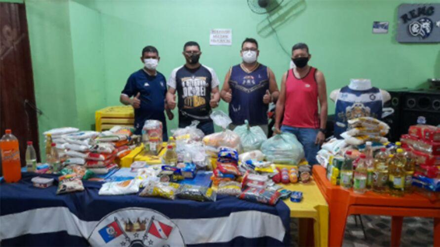 Torcida fundada há cinco anos mostra apoio ao lado social