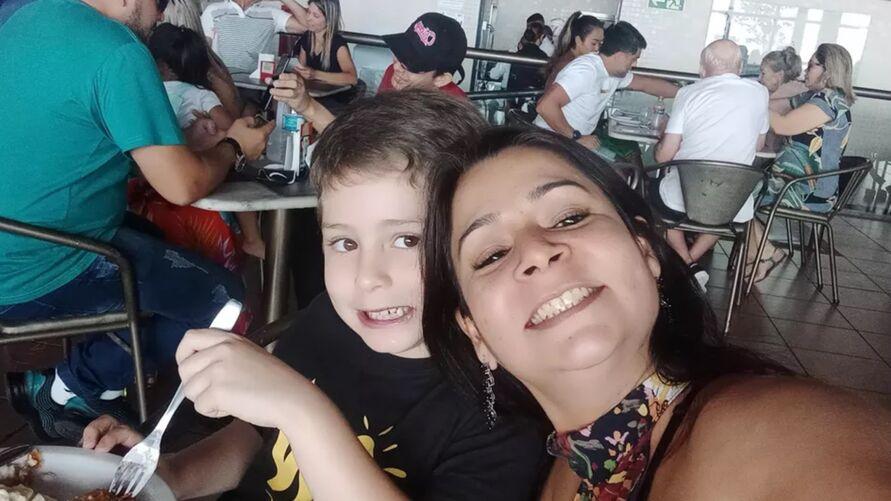 Silvana Raniere e o filho João Raniere Nogueira.