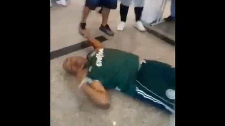 Imagem ilustrativa da notícia: Medo de agulha: homem desmaia ao tomar vacina contra a covid