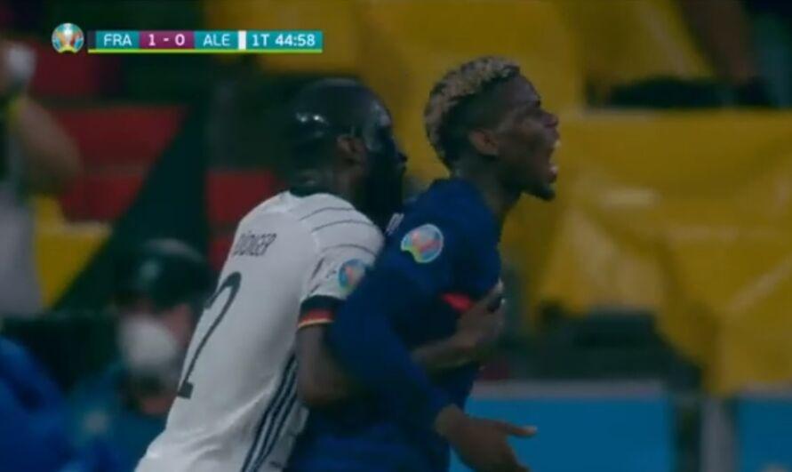 """Momento de """"carinho"""" entre os dois jogadores"""