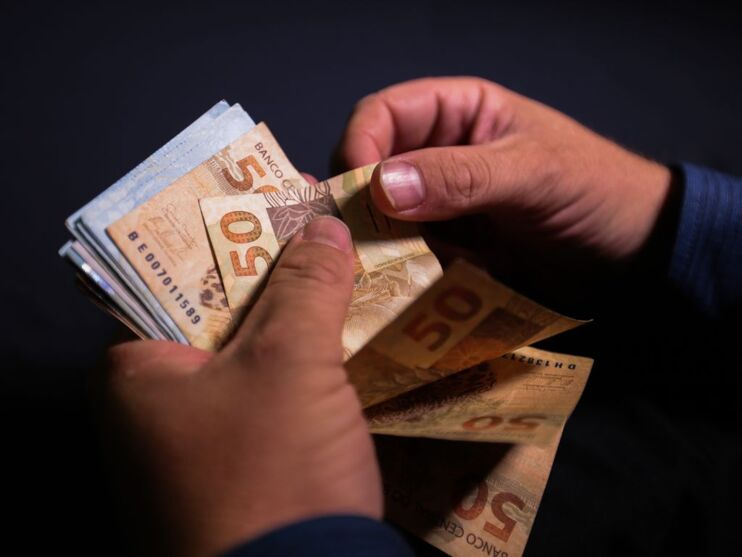 O abono salarial estará disponível para saque até o fim deste mês, 30 de junho.