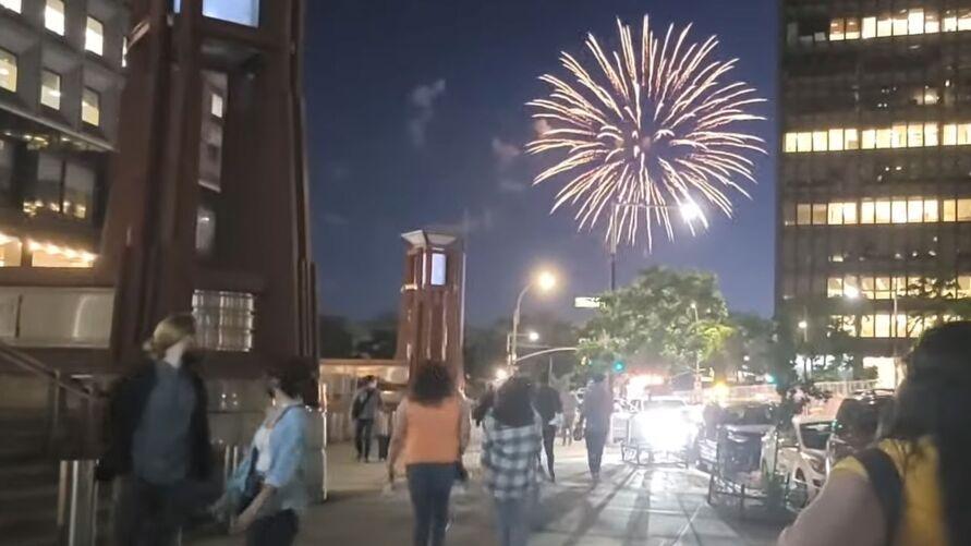 Queima de fogos foi anunciada pelo governador Andrew Cuomo