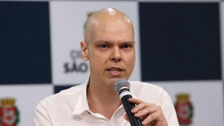Covas se licenciou da prefeitura de São Paulo para cuidar da saúde