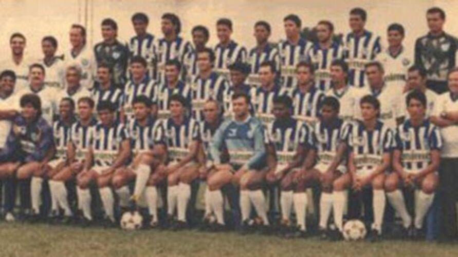 A foto do time campeão brasileiro. Eles começaram o inicio do ciclo vitorioso do Papão no cenário nacional.