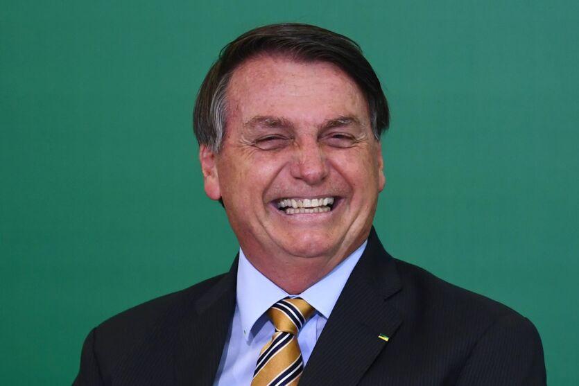 Imagem ilustrativa da notícia: Bolsonaro foi vacinado contra a Covid-19, revela colunista