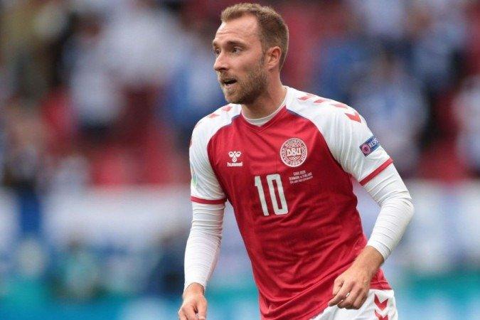 O meia dinamarquês Christian Eriksen gravou um vídeo comovente para tranquilizar uma menina de nove anos que será submetida à mesma operação que ele passou após ter desmaiado enquanto jogava a Eurocopa pela seleção de seu país.