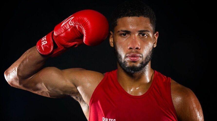 Hebert Conceição vence por decisão dos juízes e avança às quartas do boxe