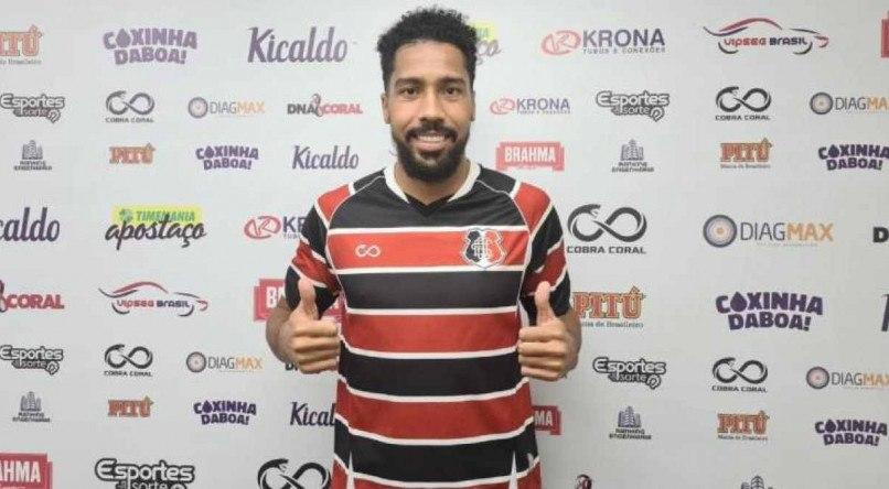 Volante Maycon Lucas poderá fazer sua estreia pelo Santa Cruz na partida diante do Paysandu