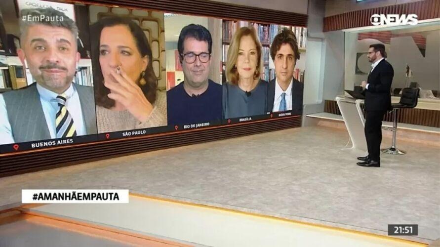 Jornalista Mônica Waldvogel fumando ao vivo