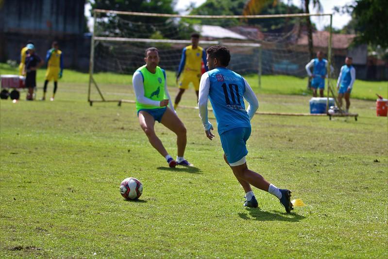 Jogadores do Paysandu realizam mais um treino no campo do Kaza, em busca de vencer o primeiro jogo dentro de casa, na Série C.