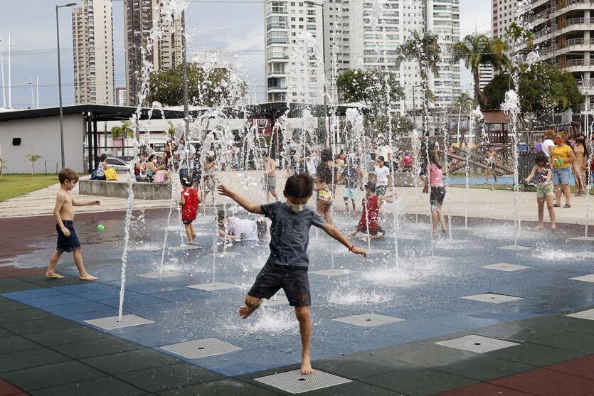 Imagem ilustrativa da notícia: Veja fotos do primeiro sábado das férias de julho