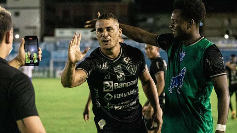 Elyser marcou o gol que garantiu o Papão nas semifinais do Parazão.