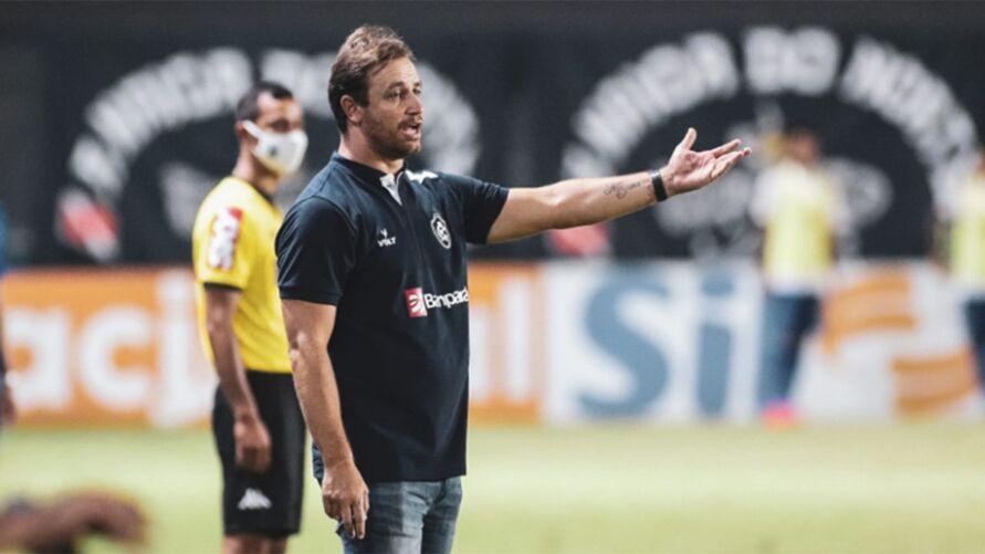 Treinador remista chega a uma marca alcançada por equipe de Giba, na Série B de 2006.