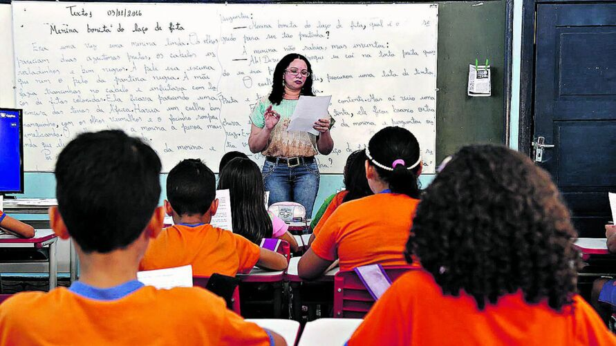 A maioria das oportunidades é para professor, mas também há vagas de assistente administrativo