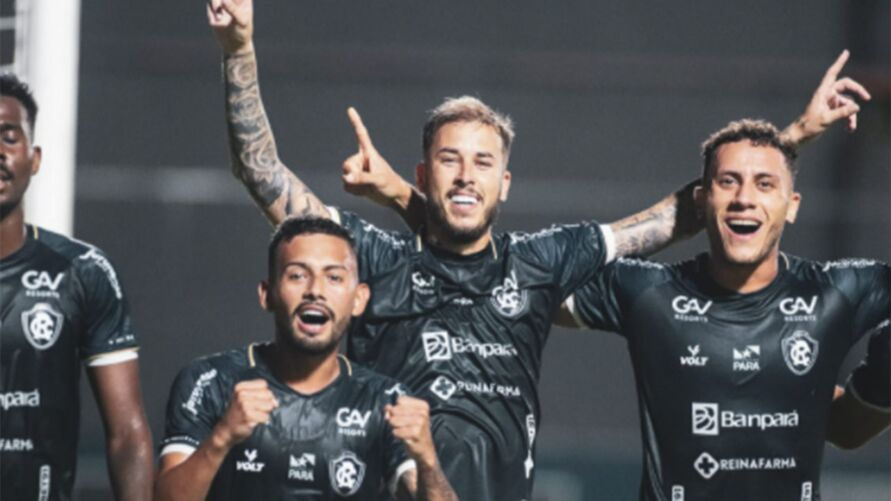 Marcos Junior comemora gol e ressurge com sua estreia no Clube do Remo