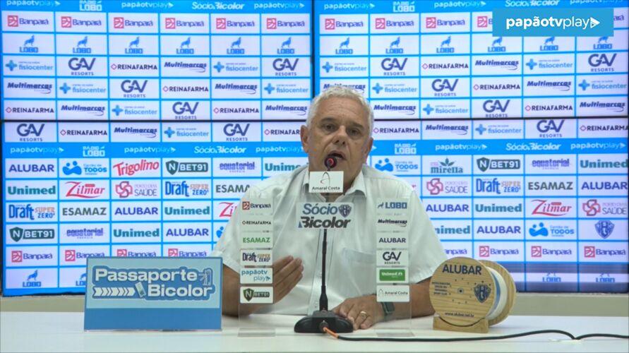 Maurício disse que os salários dos jogadores e funcionários estão em dia.