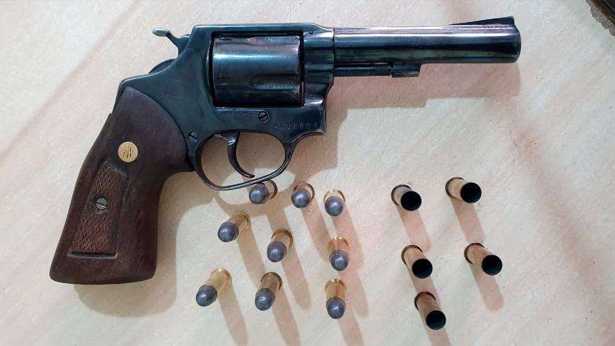 Revólver calibre 38 encontrado em poder de Cabuloso