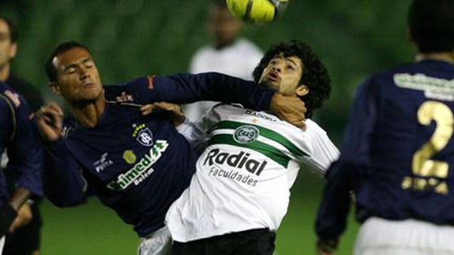 Último jogo entre as duas equipes foi 2x1 para os paranaenses.